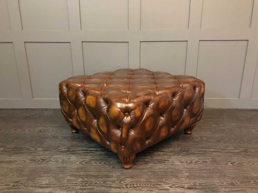 the chelsea xl coffee table box stool antique leather